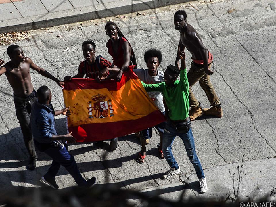 Die meisten Menschen kommen derzeit über Spanien