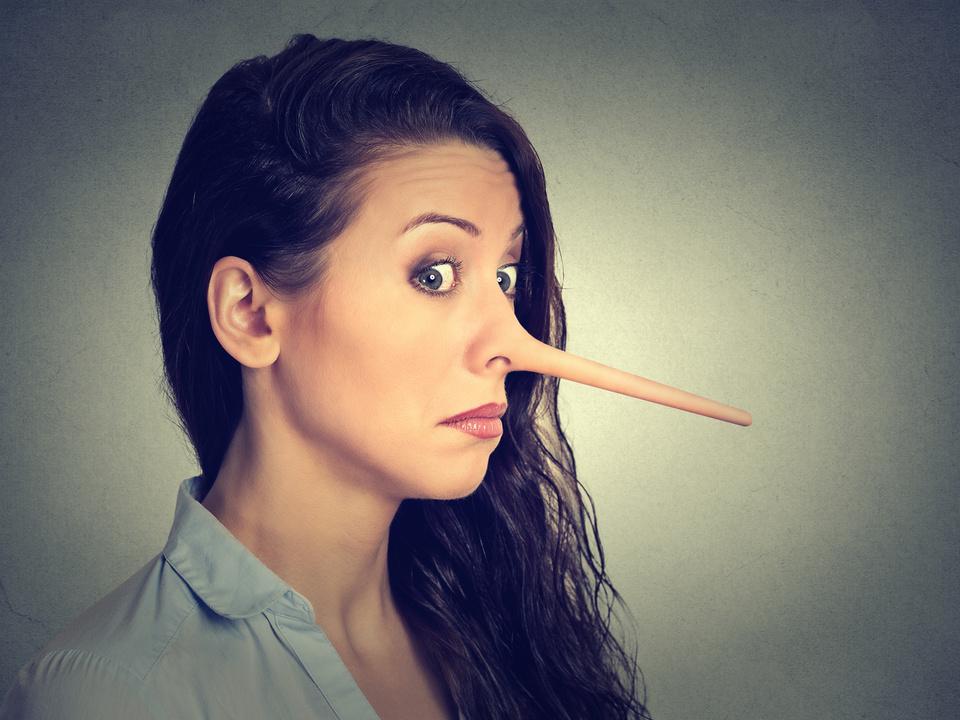 Betrug Frau Lüge Lügnerin Betrügerin Pinocchio-Nase