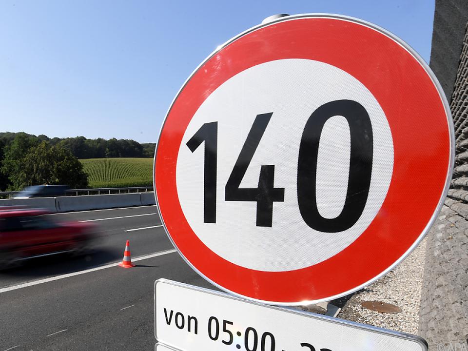 FPÖ treibt Tests für Tempo 140 auf Autobahnen voran