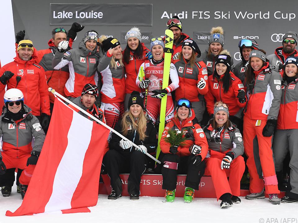 Ganzes Team feierte Schmidhofers ersten Weltcupsieg