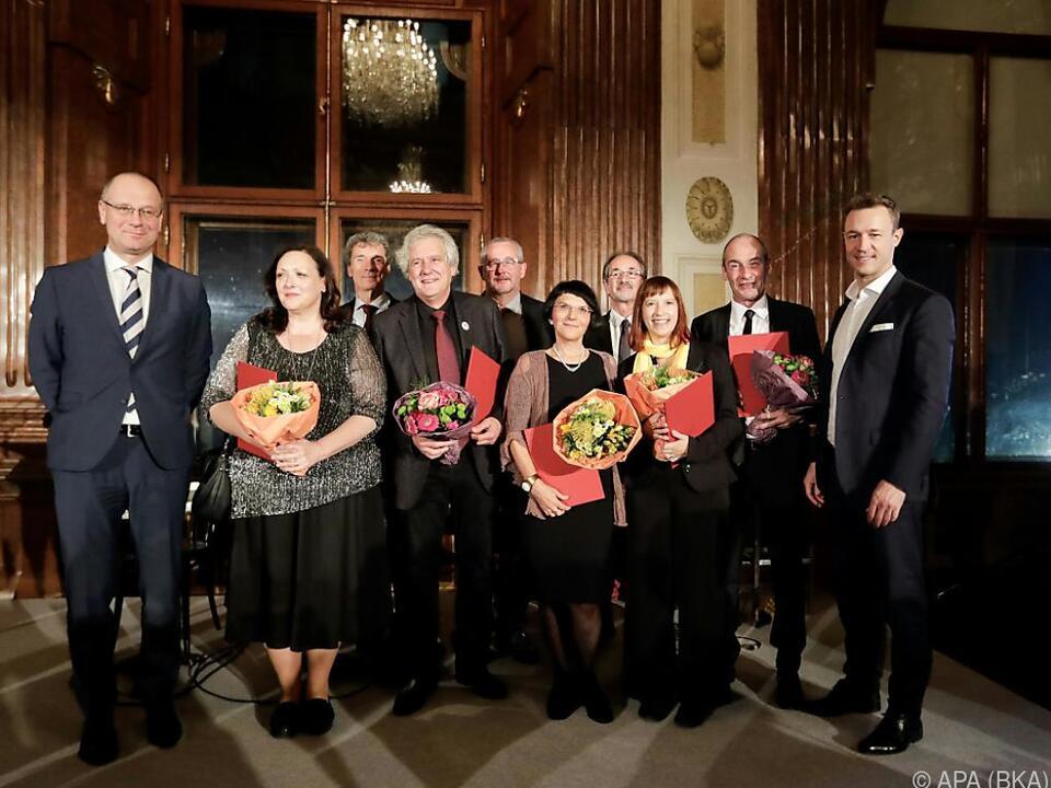 Kulturminister Blümel (r.) gratulierte den Preisträgern