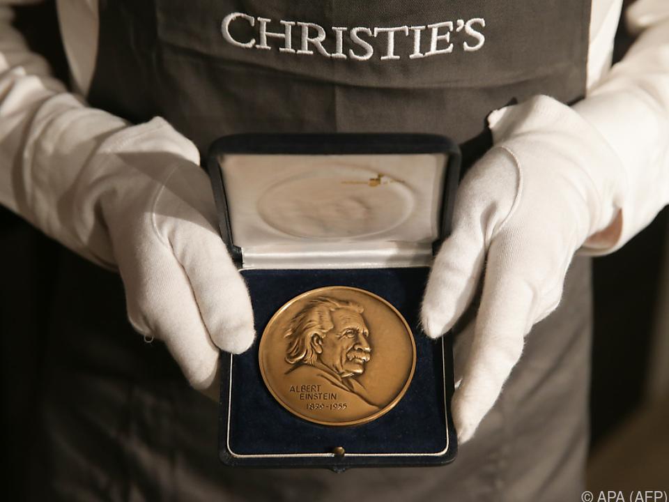 Medaillen und Preise Hawkings erzielten knapp 340.000 Euro