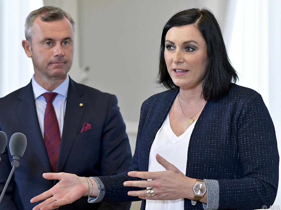 Minister-Duo Norbert Hofer und Elisabeth Köstinger