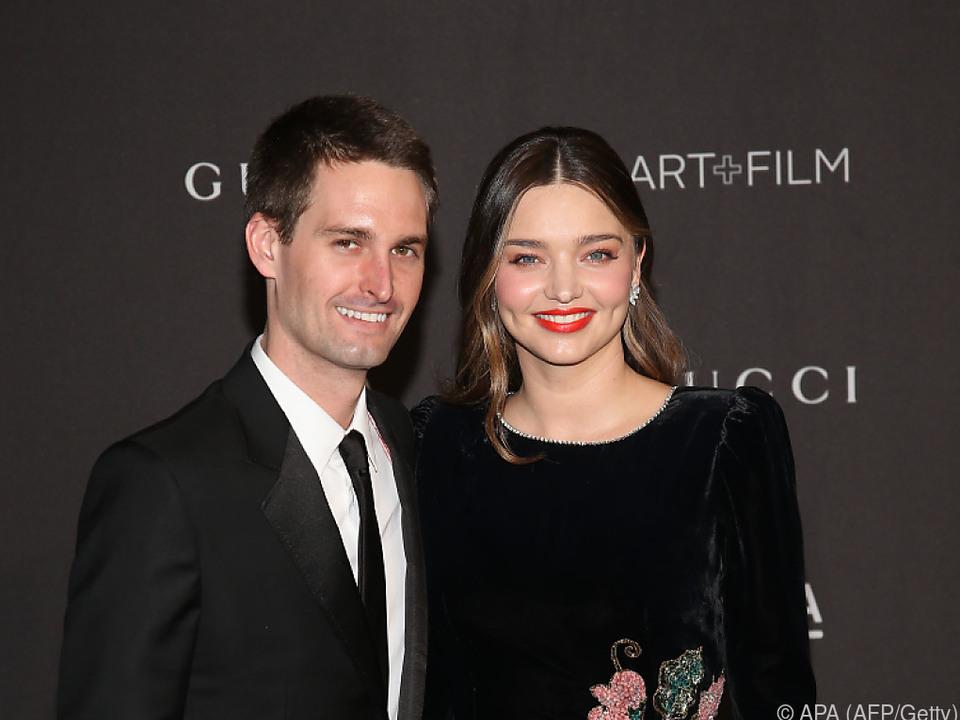 Miranda Kerr gemeinsam mit ihrem Ehemann Evan Spiegel