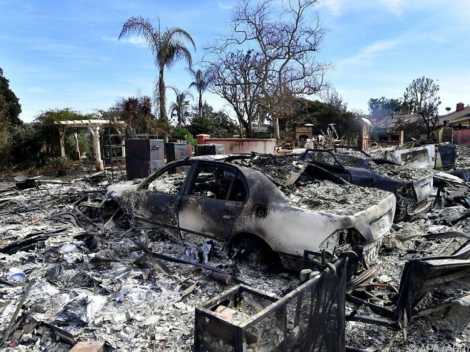Nach den schweren Bränden zeigt sich ein Bild der Verwüstung