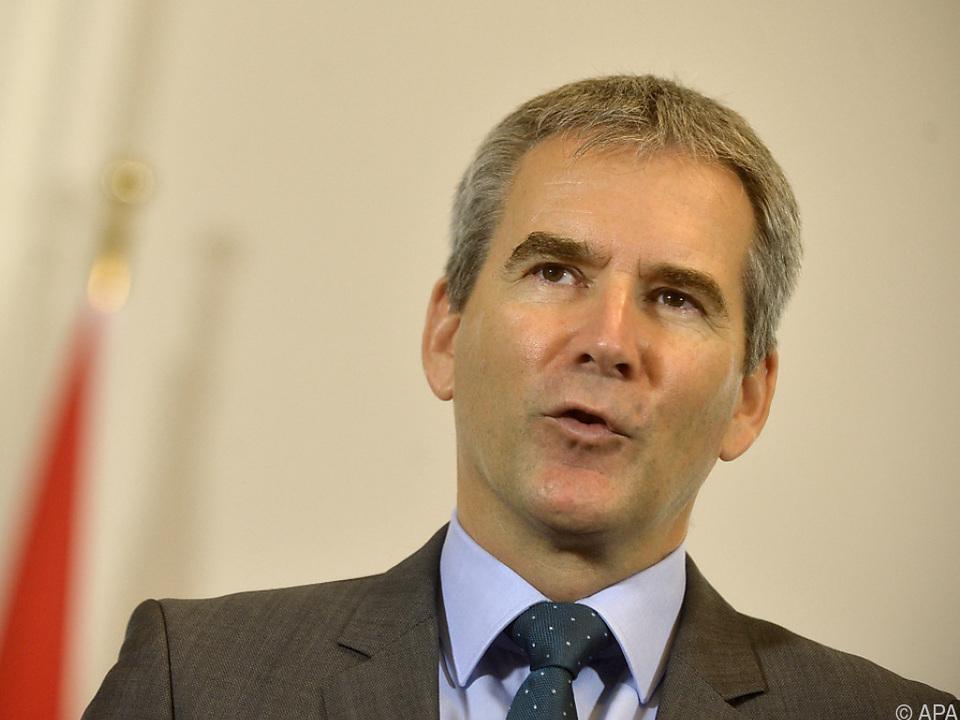 Österreich wird durch Finanzminister Löger vertreten