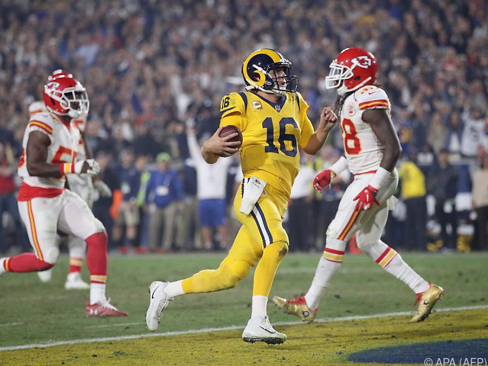 Rams-Quarterback Jared Goff (m.) erlief einen Touchdown persönlich