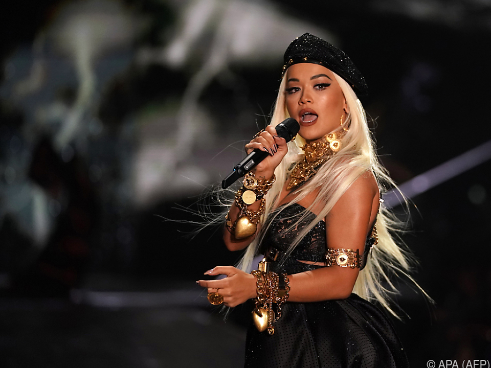 Rita Ora ließ sich für ihr neues Album lange Zeit