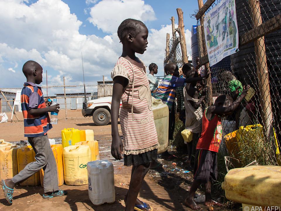 Rund zwei Drittel der Kinder benötigen dringend humanitäre Hilfe