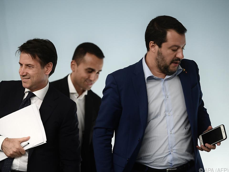 Salvini (r.) will sich für Rückzug vom Migrationspakt einsetzen