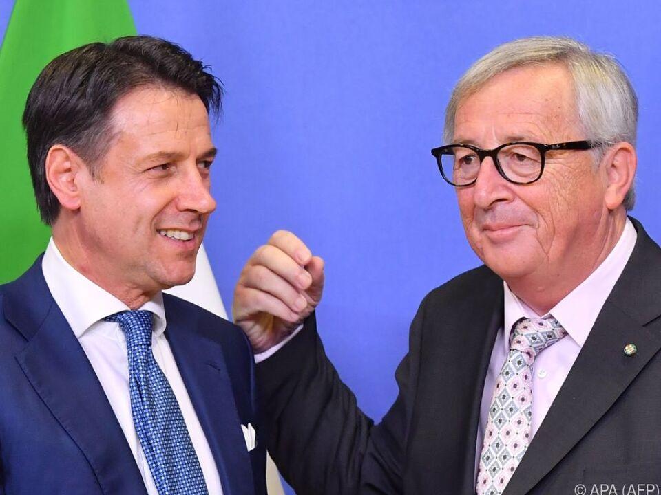 Spätabendliche Unterredung zwischen Conte und Juncker