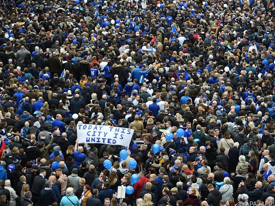 Trauermarsch von der Innenstadt Leicesters zum Stadion