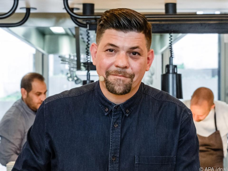 TV-Starkoch Tim Mälzer schwer verletzt