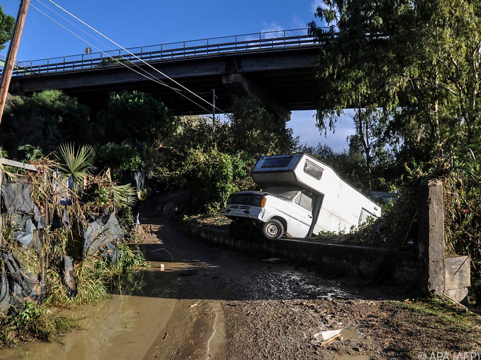 Verwüstungen nach Überflutung auf Sizilien