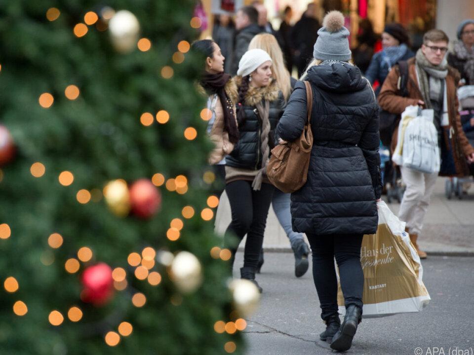 Bargeld als Weihnachtsgeschenk ist weiter gefragt