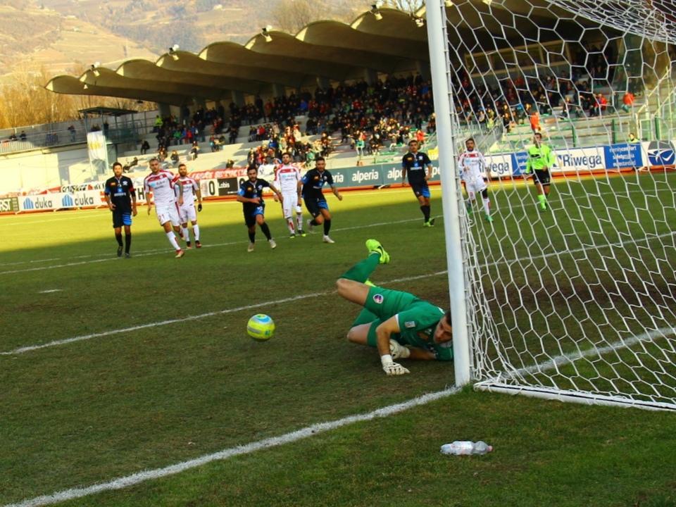 Berardocco ha ribadito in gol un calcio di rigore che Rossi gli aveva deviato sul palo