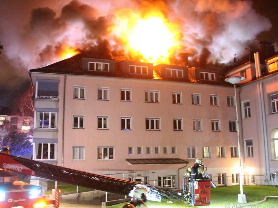 Brand brach im Dachstuhl aus