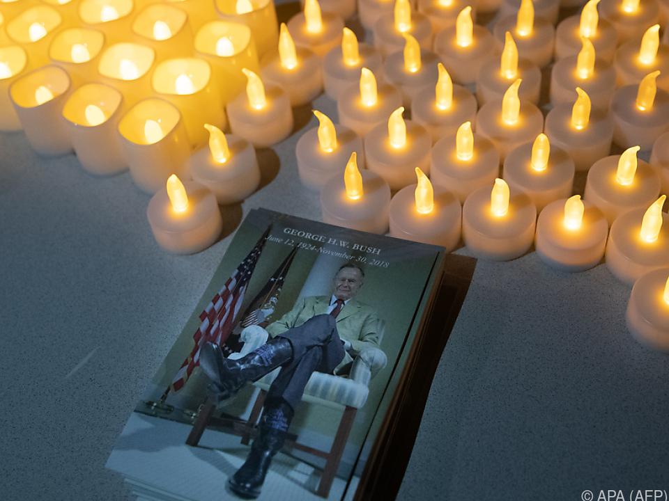 Bürger können bis Mittwoch Abschied von Bush nehmen
