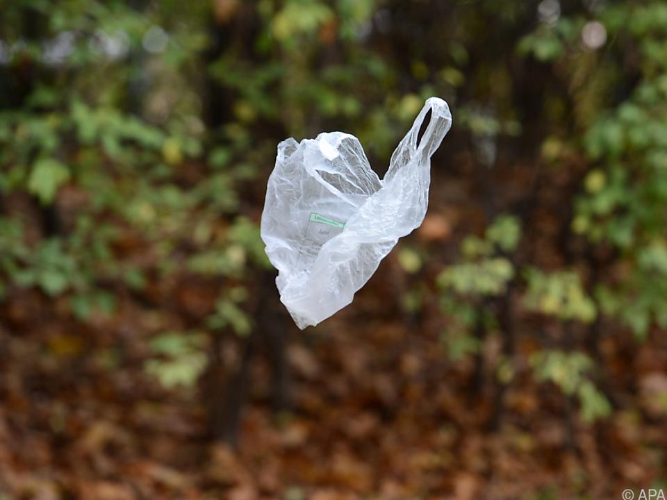 Dem Plastiksackerl soll der Garaus gemacht werden
