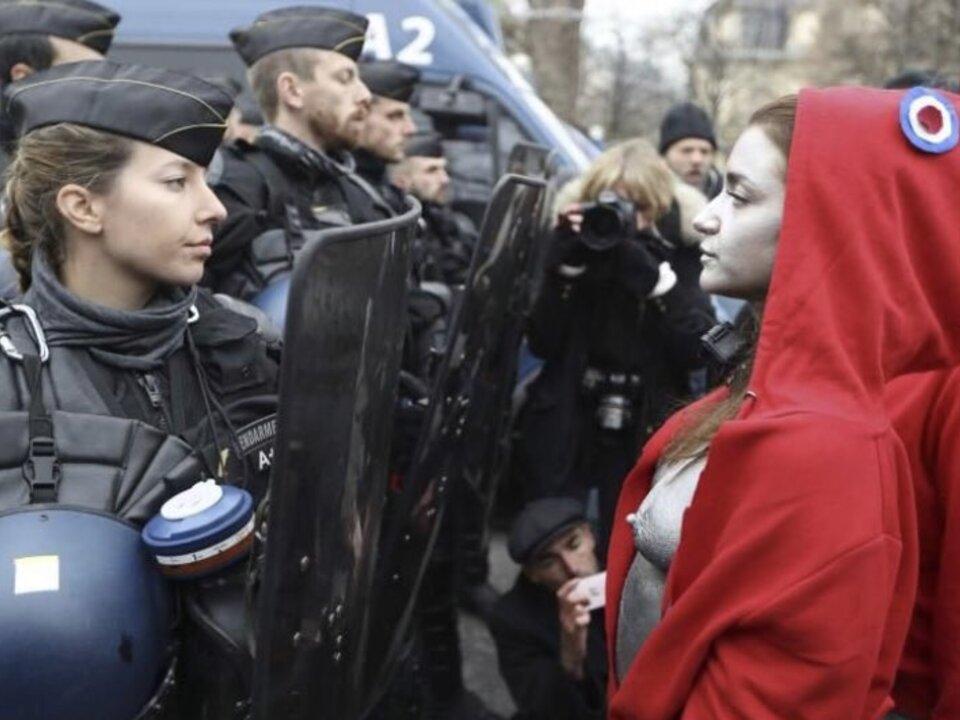 Marianne Protest Paris