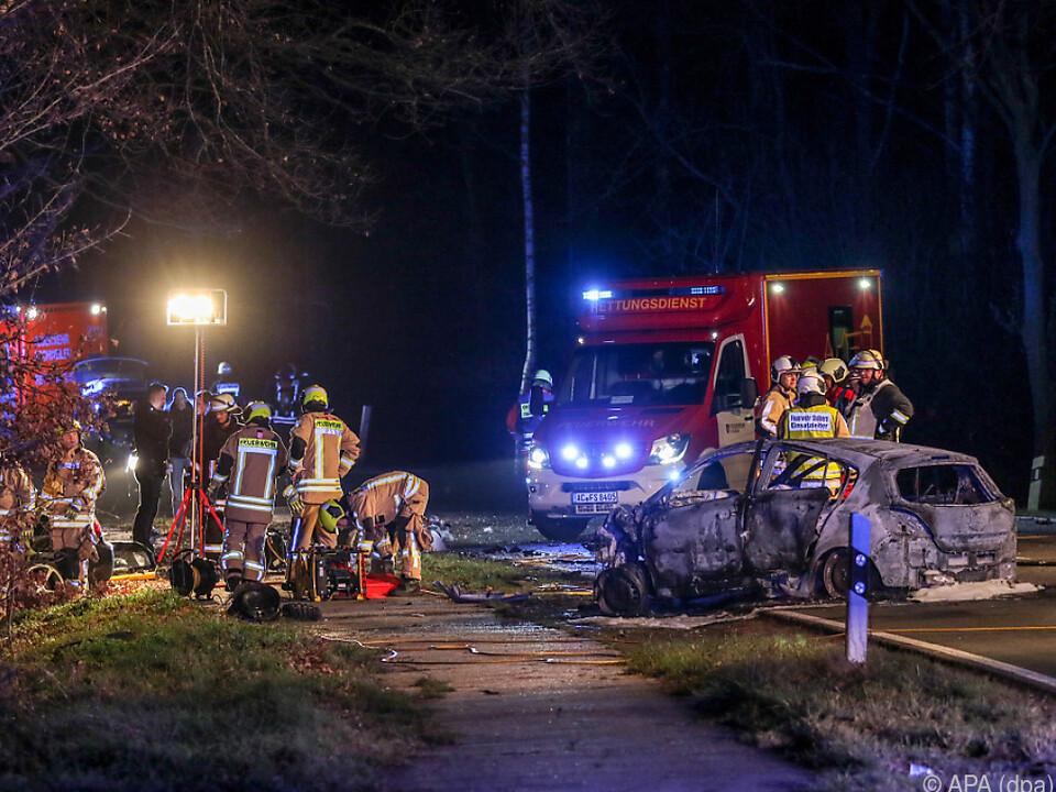 Ein Auto brannte vollständig aus
