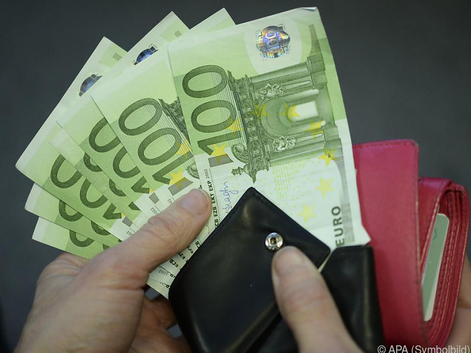 Ein Drittel könnte spontan keine 1.400 Euro locker machen