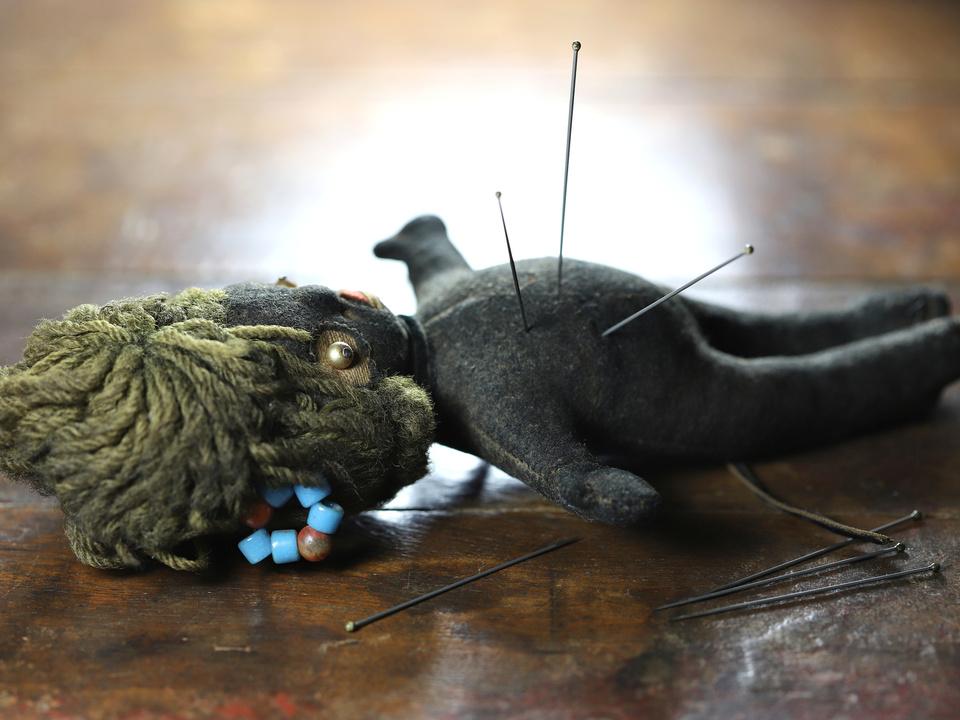 Voodoo-Puppe schwarze Magie