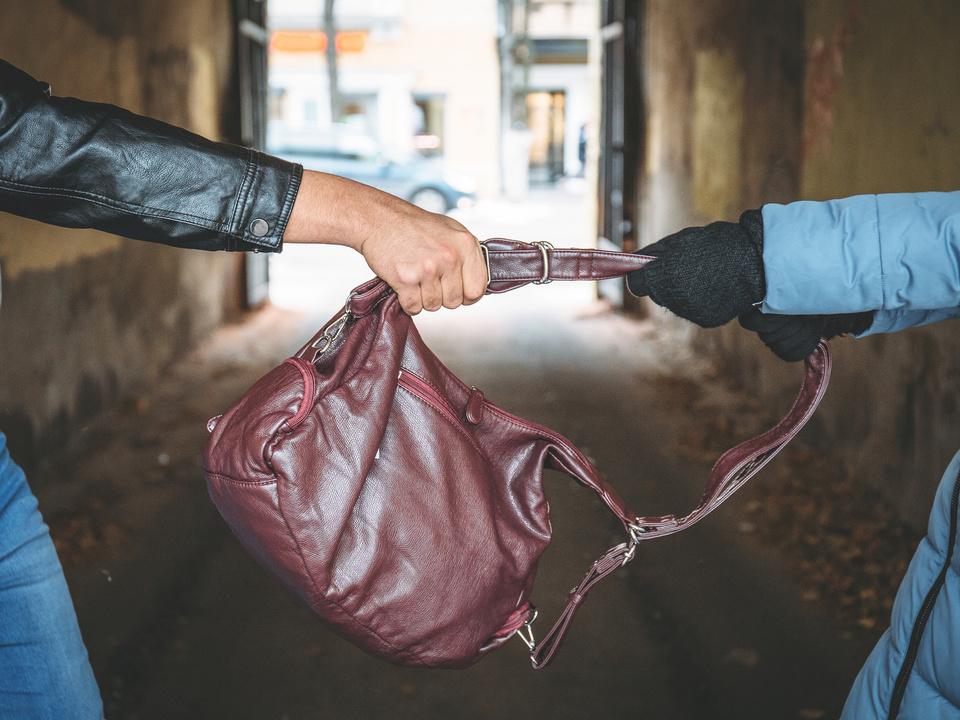 taschendiebstahl diebstahl handtasche sym