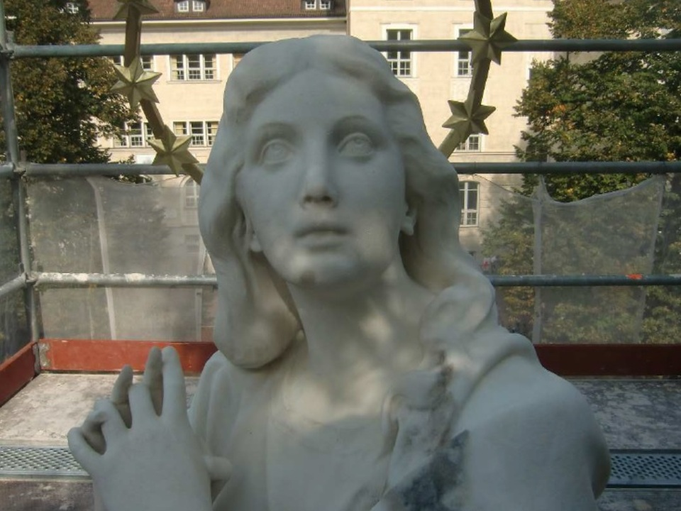 Marienstatue Madonna Maria Bozen