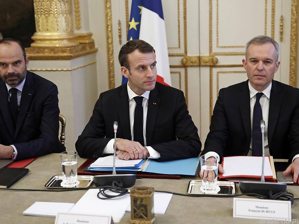 Macron kündigte größere Zugeständnisse an