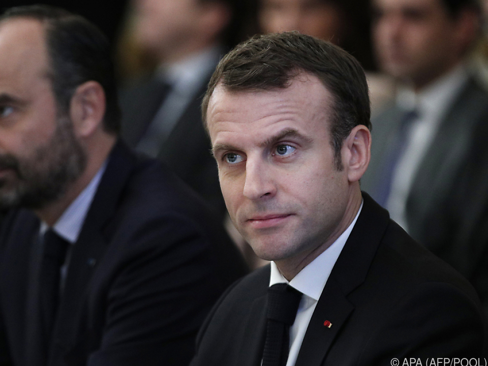 Macron will die \