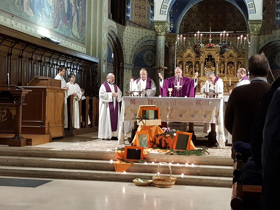 Messe Caritas Muser