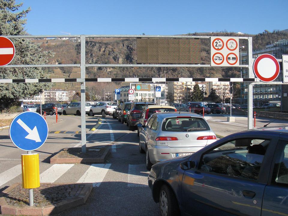 Parkplatz 1 meran