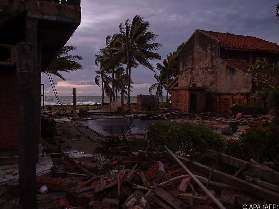Spuren der Zerstörungsgewalt des Vulkans Krakatau