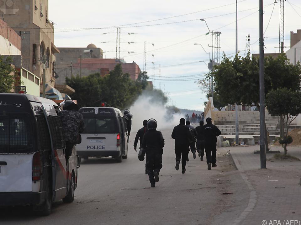 Vor dem Gouverneurssitz kam es zu Straßenschlachten