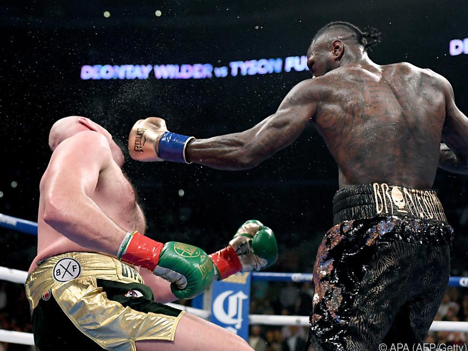 Wilder brachte Fury zweimal auf den Boden