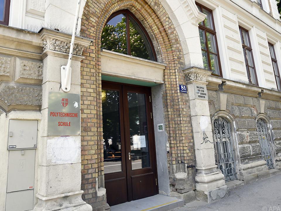 16-Jähriger stach 15-Jährigen im Mai 2018 vor Schule in Wien-Währing nieder