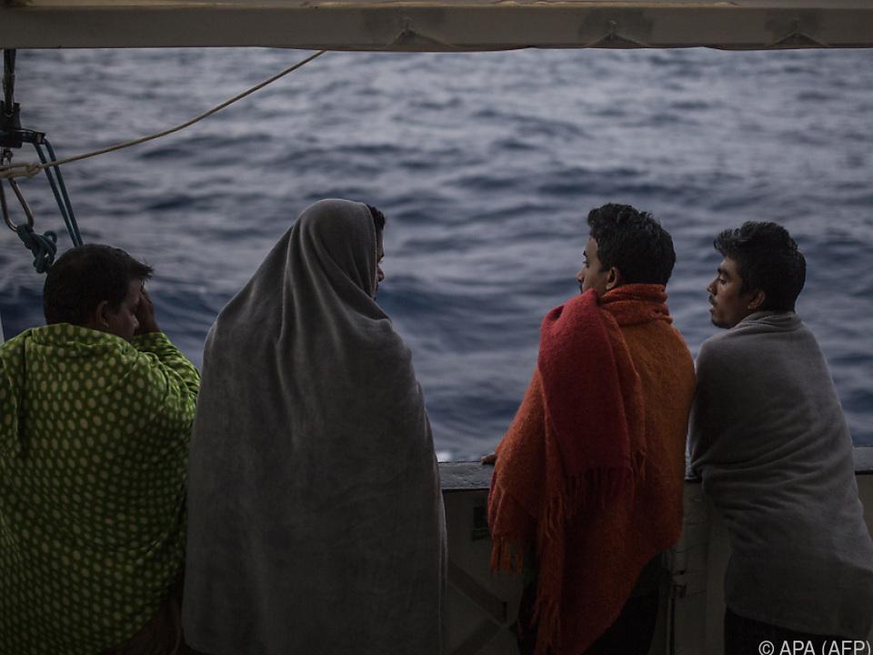 2.300 Tote im Mittelmeer im Jahr 2018 flüchtling