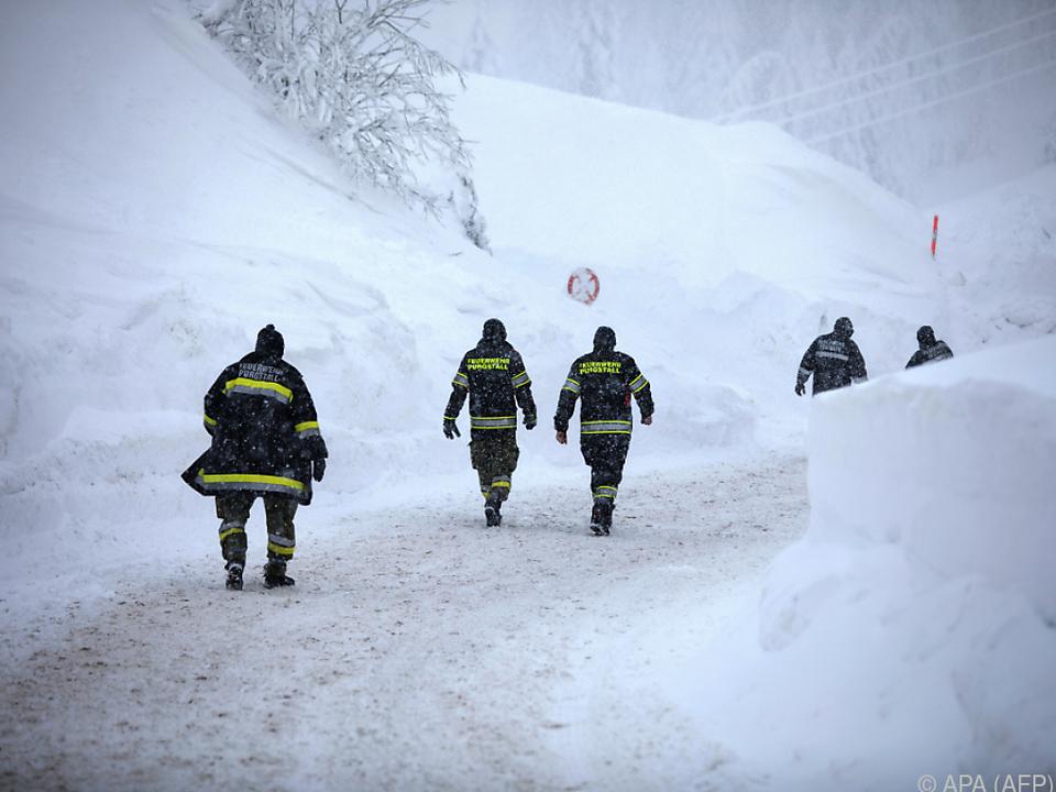 200 Einsatzkräfte machten die Alpenstraße wieder passierbar