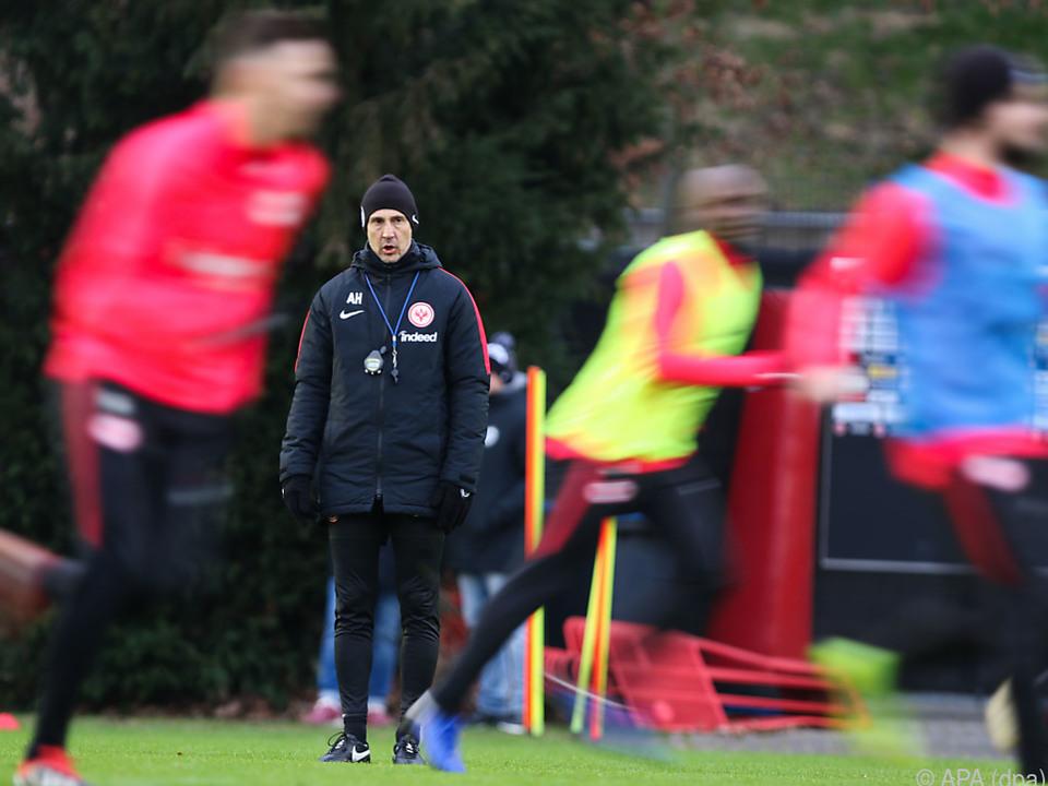 Adi Hütter beim Trainingsauftakt der Eintracht