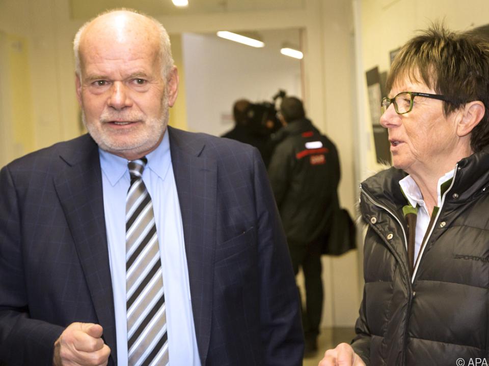 Anwalt Ainedter mit Moser-Pröll bei Prozess-Fortsetzung