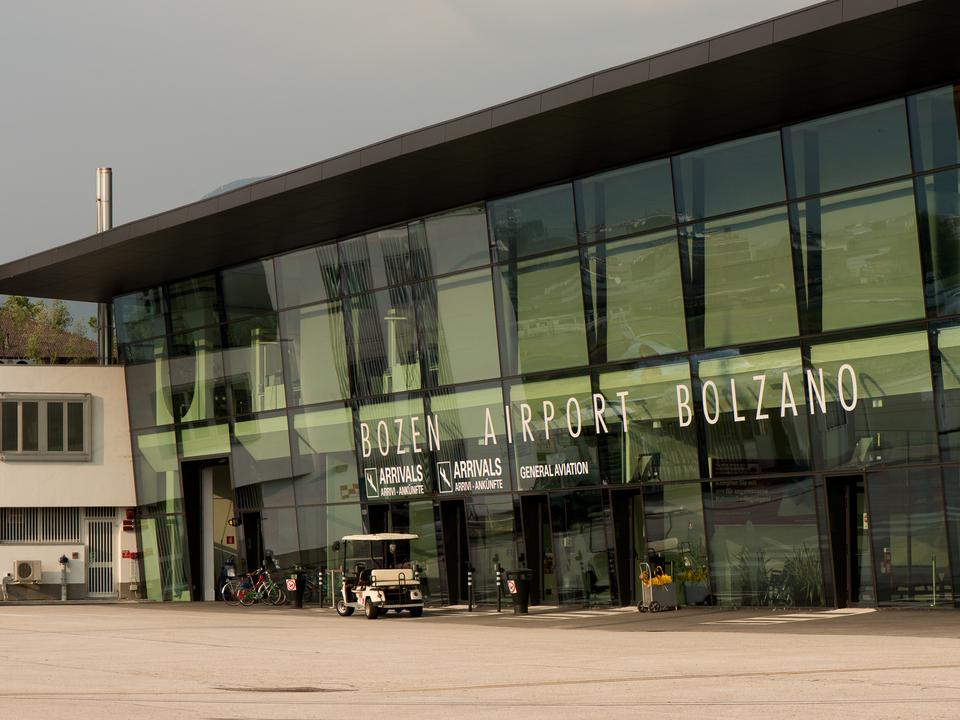 Bild 2 - Der Bozner Flughafen