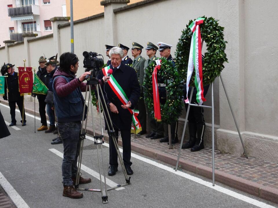 Bürgermeister+Caramaschi+nach+der+Gedenkfeier