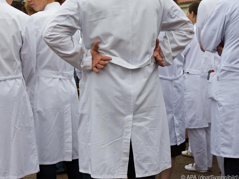 Den Ärzten wird grobe Fahrlässigkeit vorgeworfen arzt