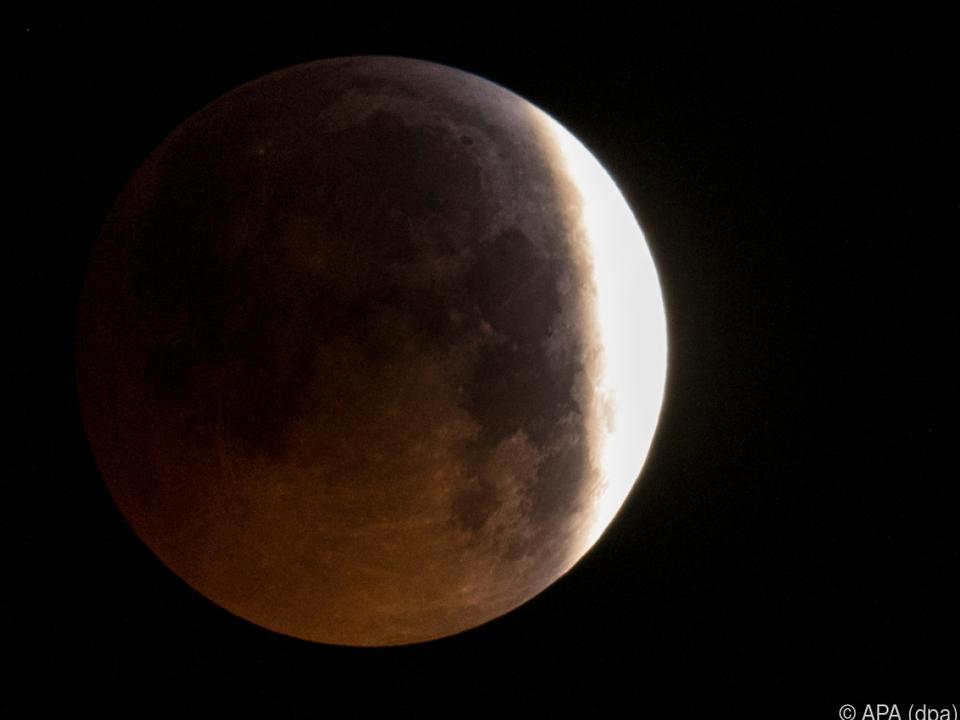 Der Schatten der Erde verdunkelte den Mond