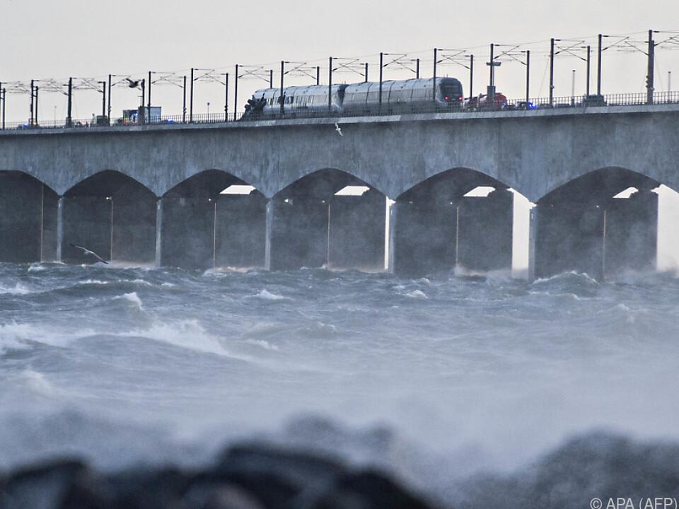 Die Brücke verbindet die dänischen Inseln Seeland und Fünen