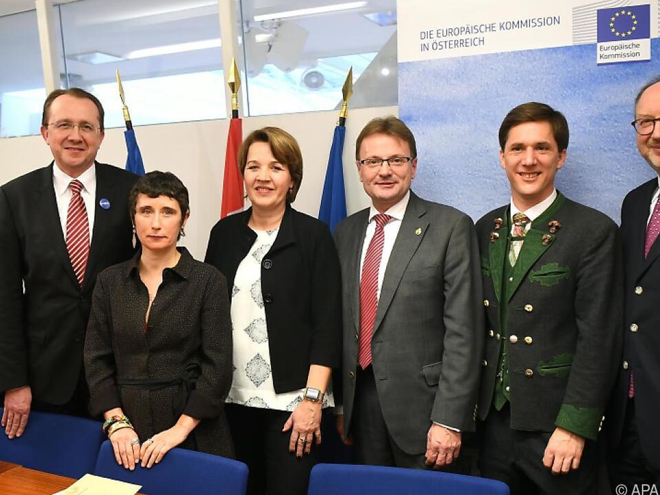 Die Bürgermeisterin und Bürgermeister der Anwärter mit EU-Experten