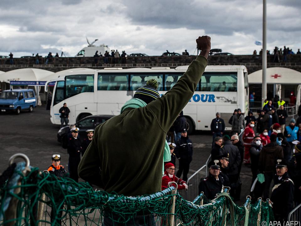 Die Freude bei den Migranten ist groß