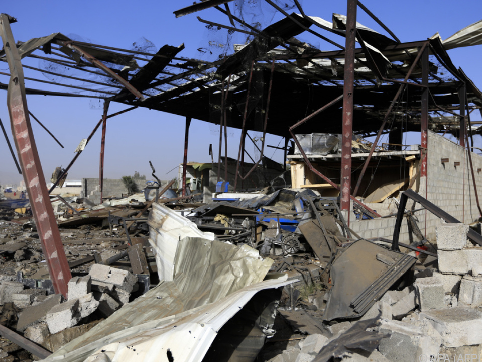 Die Militärkoalition flog mehr als 24 Angriffe auf Sanaa