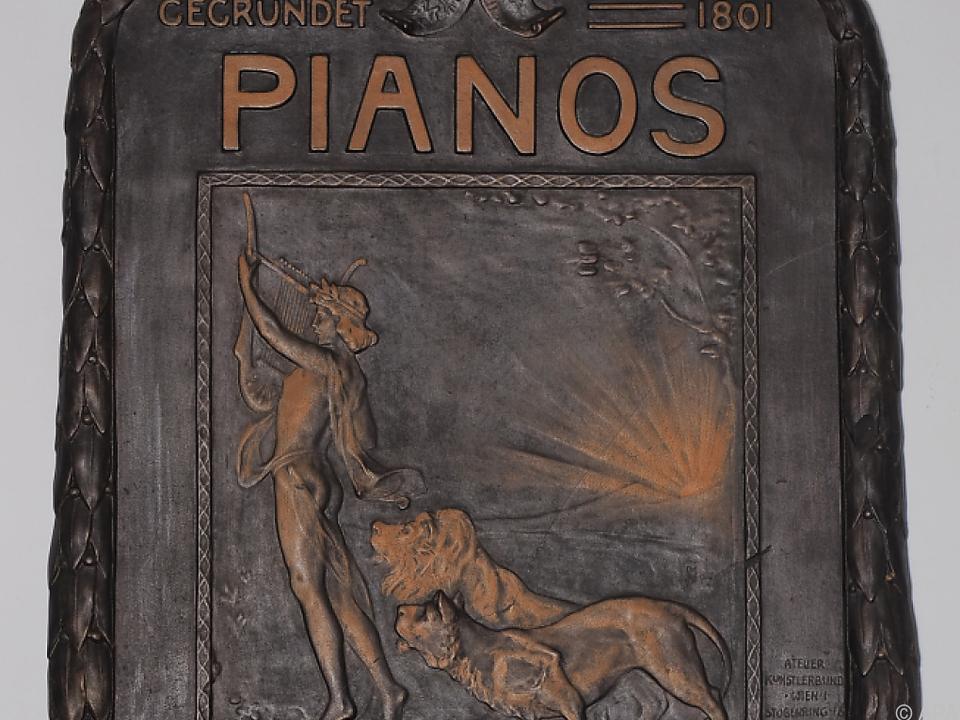 Diese Schmucktafel soll Gustav Klimt angefertigt haben